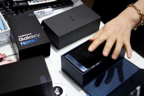 Samsung phai lam gi de bu dap thiet hai tu Galaxy Note 7? - Anh 1