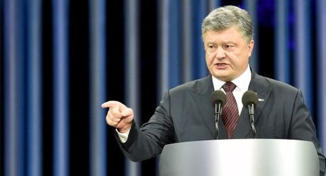 Vi sao Ukraine khong mo rong lenh trung phat Nga? - Anh 1
