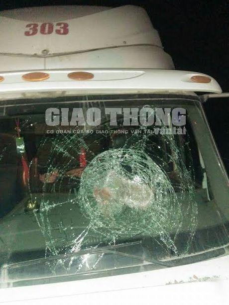 "Lai xe lien tuc bi ""an gach"" tren cao toc Ha Noi - Thai Nguyen - Anh 1"