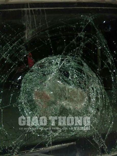 "Lai xe lien tuc bi ""an gach"" tren cao toc Ha Noi - Thai Nguyen - Anh 3"