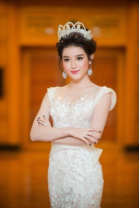 Huyen My – Nguoi dep mot mau cua showbiz Viet - Anh 2