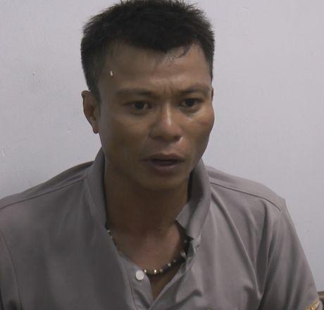 Da Nang: Bat nong doi tuong sat hai bao ve bai bien - Anh 2