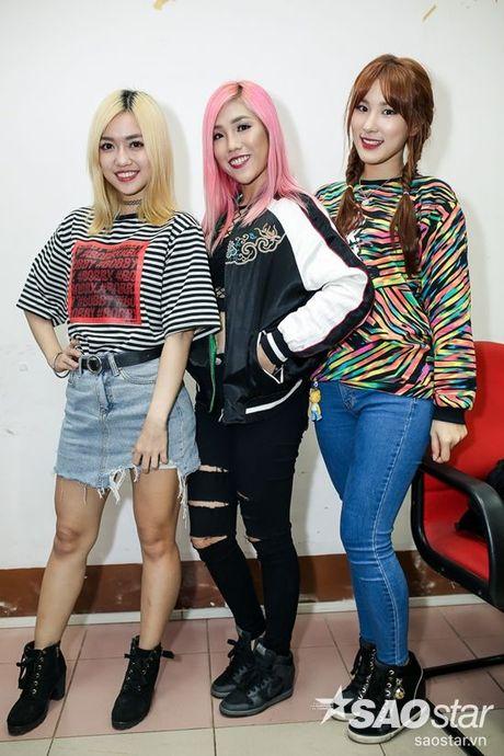 Chi Pu, Ngo Kien Huy, Noo Phuoc Thinh 'nhe rang, chu mo' sieu dang yeu trong hau truong The Voice Kids - Anh 10