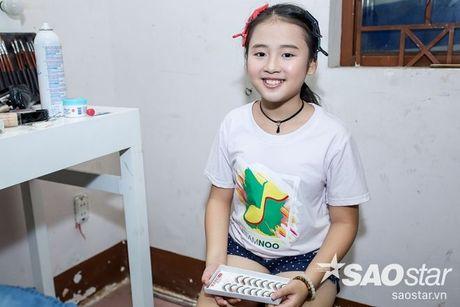 Chi Pu, Ngo Kien Huy, Noo Phuoc Thinh 'nhe rang, chu mo' sieu dang yeu trong hau truong The Voice Kids - Anh 15