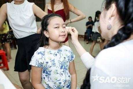 Chi Pu, Ngo Kien Huy, Noo Phuoc Thinh 'nhe rang, chu mo' sieu dang yeu trong hau truong The Voice Kids - Anh 16