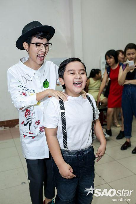 Chi Pu, Ngo Kien Huy, Noo Phuoc Thinh 'nhe rang, chu mo' sieu dang yeu trong hau truong The Voice Kids - Anh 5