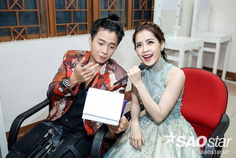 Chi Pu, Ngo Kien Huy, Noo Phuoc Thinh 'nhe rang, chu mo' sieu dang yeu trong hau truong The Voice Kids - Anh 8
