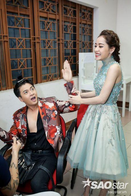 Chi Pu, Ngo Kien Huy, Noo Phuoc Thinh 'nhe rang, chu mo' sieu dang yeu trong hau truong The Voice Kids - Anh 9