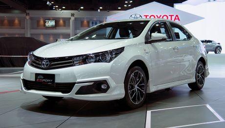 Toyota Corolla Altis the thao hon voi phien ban ESport - Anh 1