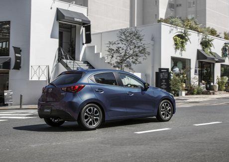 Mazda2 2017 nang cap nhe thiet ke noi, ngoai that - Anh 7