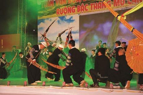 Tung bung le hoi Mu Cang Chai, Yen Bai - Anh 1