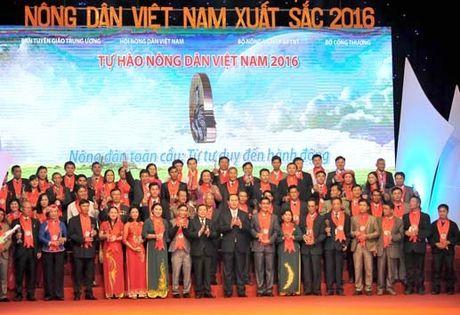 BAN TIN MAT TRAN: Vinh danh 63 nong dan Viet Nam xuat sac nam 2016 - Anh 1