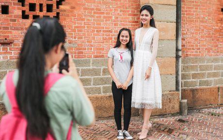 Hoa hau My Linh do dang voi Thanh Tu - Anh 11