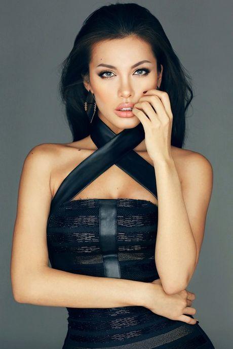Ve dep hut hon cua Angelina Jolie phien ban Viet - Anh 5