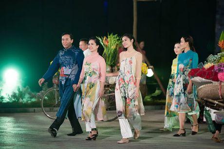 'Em be Ha Noi' U60 van lam khan gia qua bat ngo - Anh 7