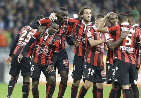 Balotelli lan dau da hong phat den o Ligue 1, Nice van giu ngoi dau bang - Anh 2