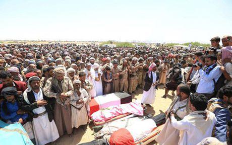 Yemen: No lon trong dam tang lam gan 30 nguoi thuong vong - Anh 1