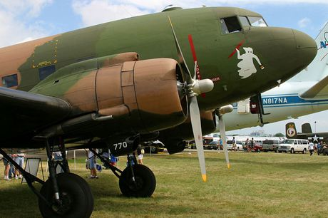 Can canh may bay cuong kich AC-47 cua My tung tham chien o Viet Nam - Anh 1