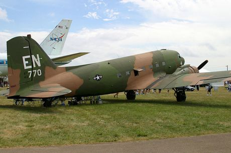 Can canh may bay cuong kich AC-47 cua My tung tham chien o Viet Nam - Anh 2