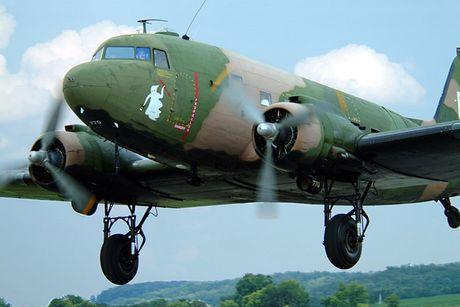 Can canh may bay cuong kich AC-47 cua My tung tham chien o Viet Nam - Anh 5