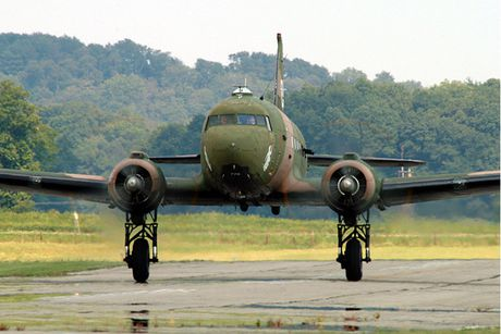 Can canh may bay cuong kich AC-47 cua My tung tham chien o Viet Nam - Anh 6