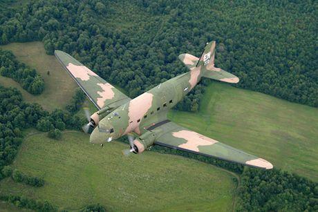 Can canh may bay cuong kich AC-47 cua My tung tham chien o Viet Nam - Anh 7