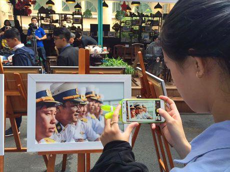 Trien lam 'Truong Sa - Noi ta den' den voi nguoi dan phuong Nam - Anh 12