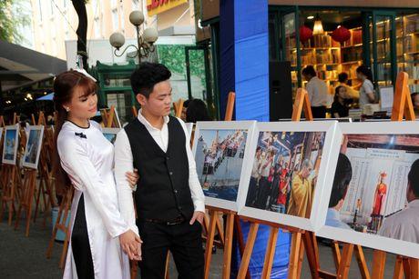 Trien lam 'Truong Sa - Noi ta den' den voi nguoi dan phuong Nam - Anh 4