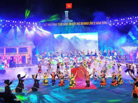 Ron ra Le hoi hoa tam giac mach Ha Giang 2016 - Anh 1