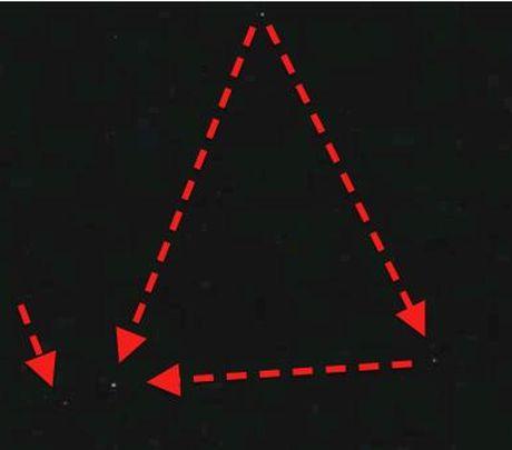 Nhan chung ke lai lan nhin thay UFO tam giac tang hinh - Anh 3