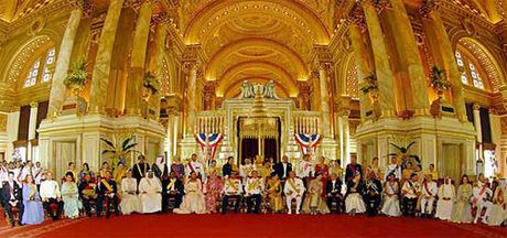 Cung dien nguy nga cua Nha Vua Thai Lan Bhumibol Adulyadej - Anh 10