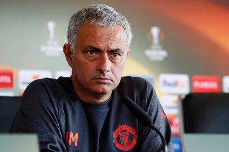 Mourinho chi noi 8 tu ve Liverpool va Klopp - Anh 1