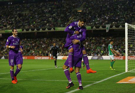 Barcelona, Atletico va Real Madrid thi nhau tao mua ban thang - Anh 3