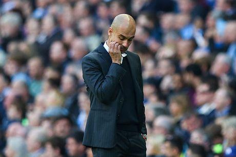 Guardiola so Man City roi vao khung hoang - Anh 1