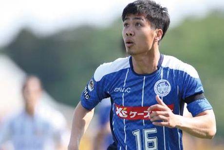 Man trinh dien cua Cong Phuong o tran Mito Hollyhock vs Yokohama - Anh 1