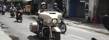 Harley Davidson Street Glide do bo noi giup khong can cat con khi dung lai - Anh 1