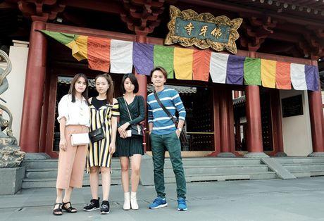Doan phim 'Doi cho ta bao lan doi muoi' di du lich nhu dien thoi trang - Anh 10