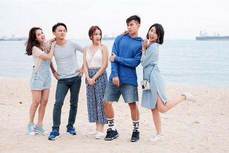 Doan phim 'Doi cho ta bao lan doi muoi' di du lich nhu dien thoi trang - Anh 1