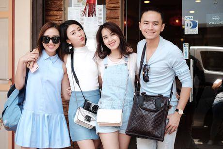 Doan phim 'Doi cho ta bao lan doi muoi' di du lich nhu dien thoi trang - Anh 6
