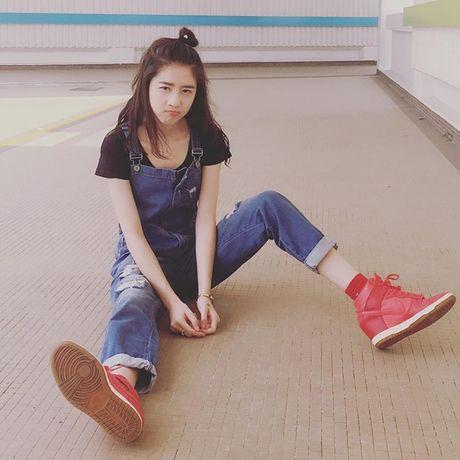Hot girl Singapore sinh nam 1999 co ve dep tu nhien nhu nu than - Anh 12