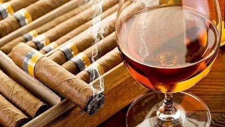 My bo lenh cam van xi ga va ruou rum cua Cuba - Anh 1