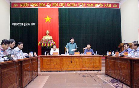 Pho Thu tuong Trinh Dinh Dung hop thau dem tim giai phap chong lu - Anh 2
