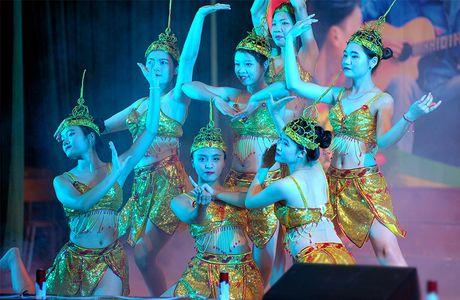 An tuong dem nghe thuat sinh vien Bac Giang tai Ha Noi - Anh 1
