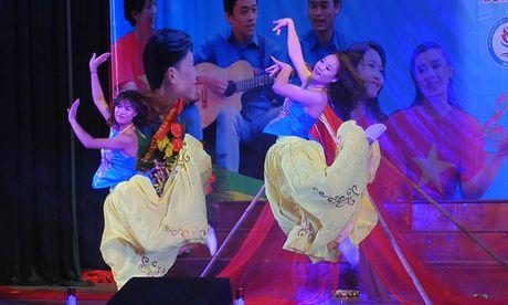 An tuong dem nghe thuat sinh vien Bac Giang tai Ha Noi - Anh 4