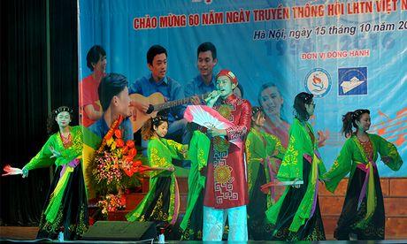 An tuong dem nghe thuat sinh vien Bac Giang tai Ha Noi - Anh 5