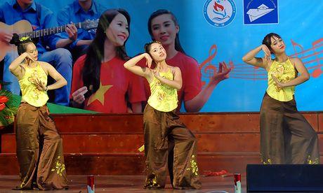 An tuong dem nghe thuat sinh vien Bac Giang tai Ha Noi - Anh 9