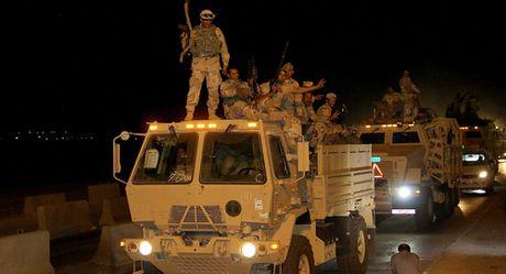 My don dap ban pha, Iraq bat dau chien dich giai phong Mosul khoi IS - Anh 1