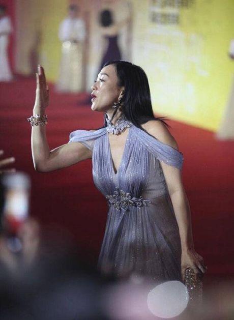 'Qua bom sexy' goc Viet do dang Pham Bang Bang tren tham do - Anh 10