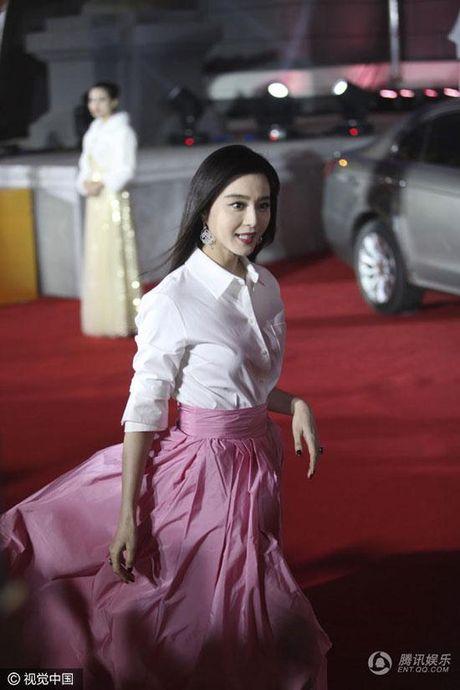 'Qua bom sexy' goc Viet do dang Pham Bang Bang tren tham do - Anh 6