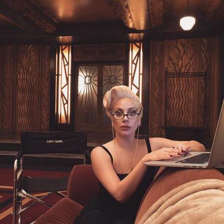 Britney tren Instagram : cong chua hay nang khung - Anh 13